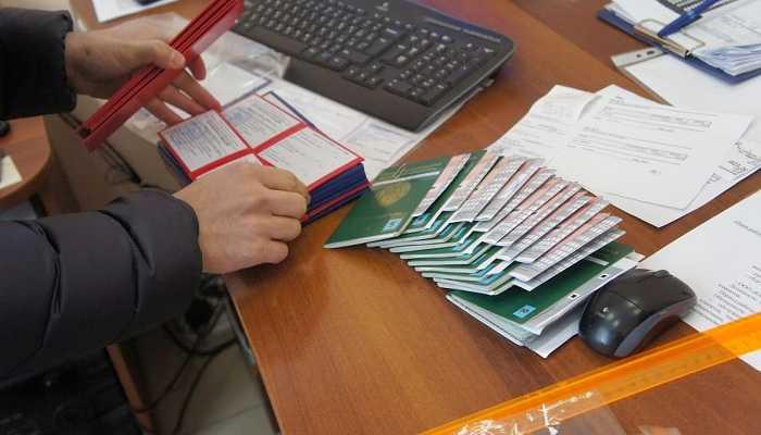 Продление регистрации иностранного гражданина по месту пребывания в 2019 году (документы и ходатайство)