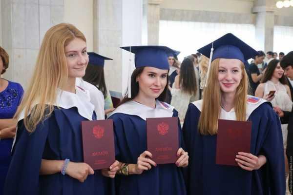 Выпускники российских вузов