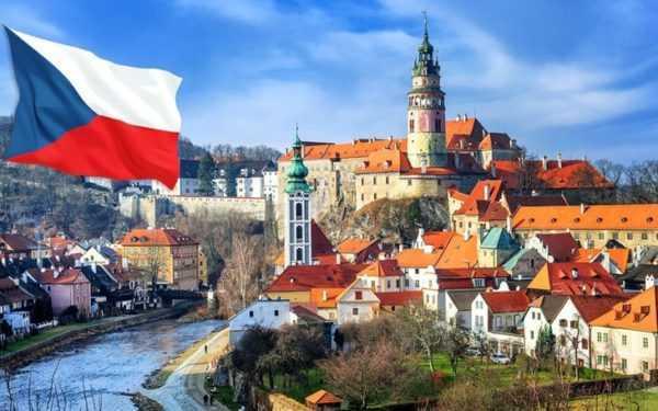 Пейзаж и флаг Чехии